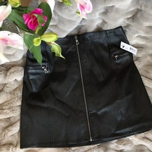 Alice and Olivia leather skirt